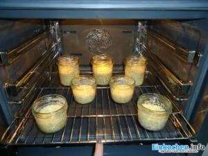 Kuchen im Glas im Ofen backen