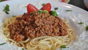 bolognese-einkochen-im-backofen-rezept